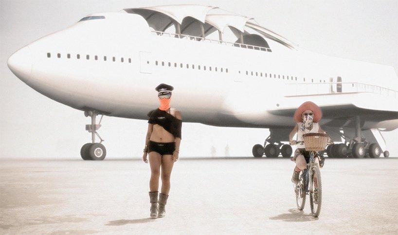 converted-boeing-747-burning-man-big-imagination-designboom-05