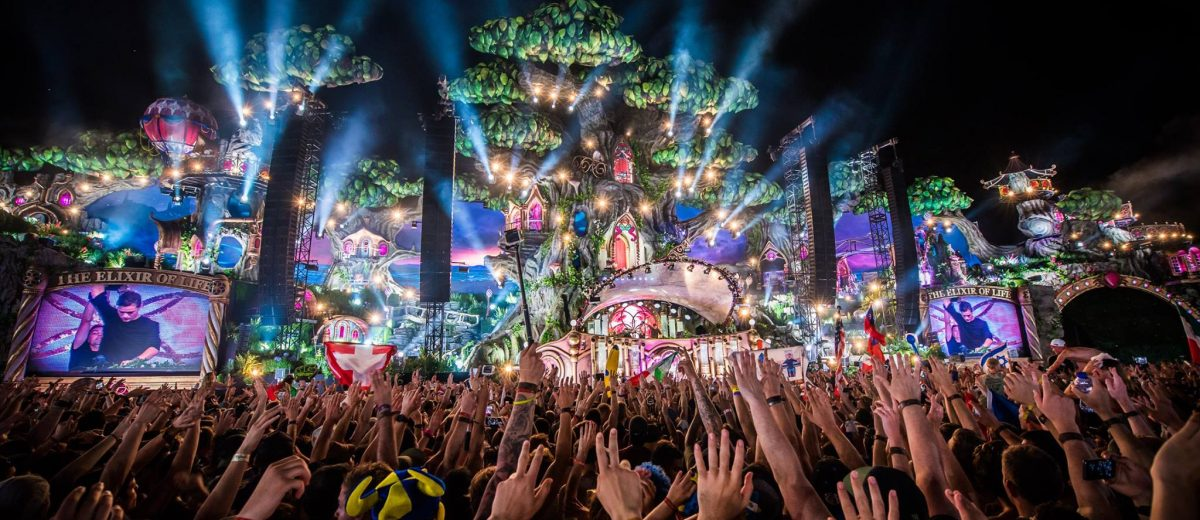 Tomorrowland Announces 2017 Stage Hosts: STMPD, Axtone